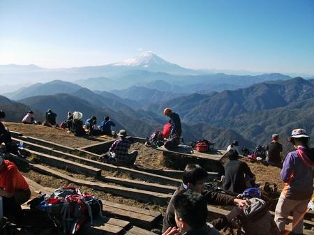 塔ノ岳山頂a DSCF5366.jpg